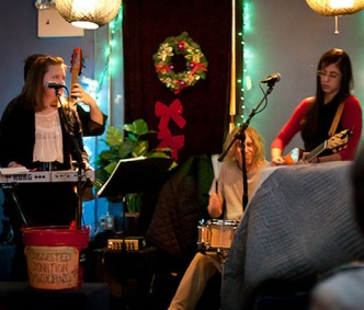 S&S Holiday Performance at Googie's Lounge